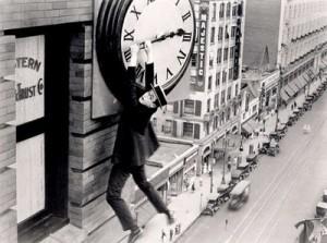 Reloj-hombre-colgado
